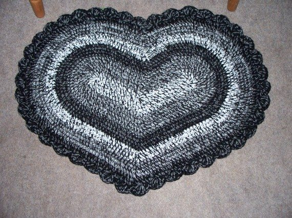 il 570xN.170910597 Crochet on Etsy: Heart Shaped Crochet Rug