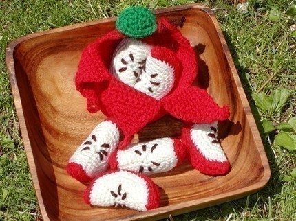 peelable crochet apple pattern