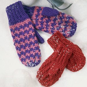 800927 Mittens Main Foster Grandma Crochets Mittens for Kindergarteners in Need