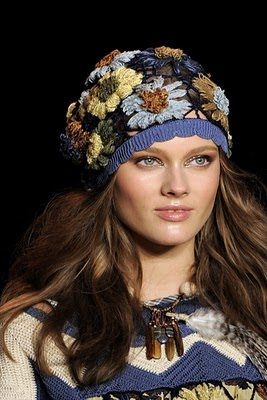 Anna Sui2 Designer Crochet: Anna Sui Embodies the 70s Spring Vibe