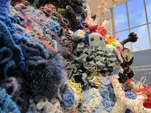 Crochet Coral Reef 4 300x225 Smithsonian Hosts Crochet Coral Reef Exhibit