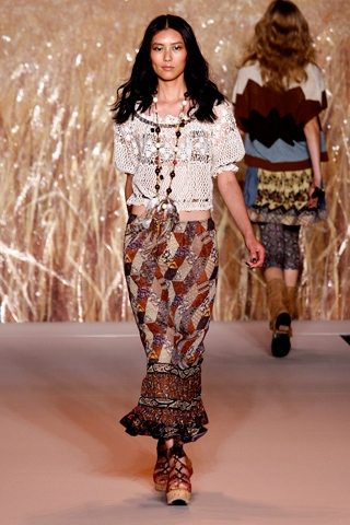anna sui spring 2011 Designer Crochet: Anna Sui Embodies the 70s Spring Vibe
