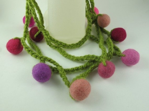 il 570xN.226696457 500x374 Crochet on Etsy: Yarn and Felt Ball Necklace