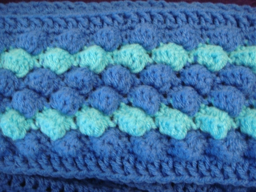 DSC029931 500x375 My Crochet: 2 Scarves, Similar and Different