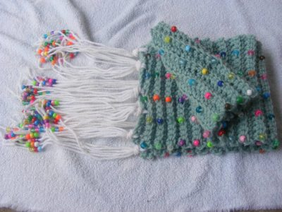 bead crochet scarf 400x300 25 Different Ideas for Crocheting a Scarf