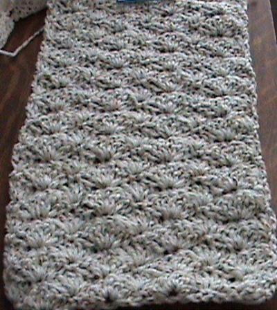 shell crochet 400x448 25 Different Ideas for Crocheting a Scarf