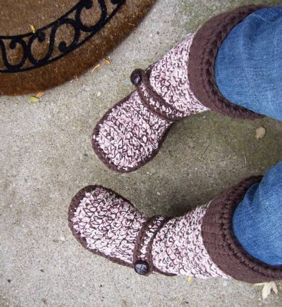 crochet boots 400x436 Jumpstart Your Creativity: 25 Different Items to Crochet