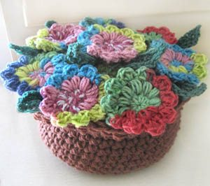crochet potpourri flower pot1 10 Ways to Liven Up A Dull Space with Crochet