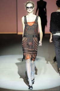 alberta ferretti spring 2009 flapper dress mobile wallpaper 200x300 25 Designers Who Have Put Crochet on the Runway