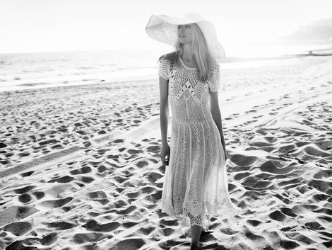 claudia schiffer and ralph lauren spring 2011 crochet dress gallery More Celebrities Spotted in Crochet