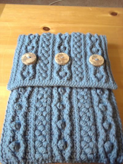 crochet bobble laptop case 400x533 25 Patterns I Want to Crochet for Blog a Long (Crochet Bag Patterns)
