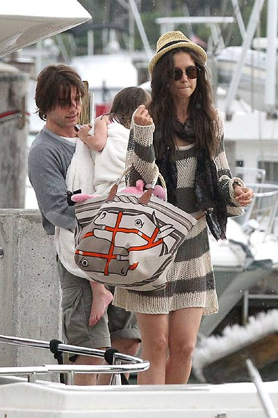 tom cruise katie holmes and suri cruise picture More Celebrities Spotted in Crochet