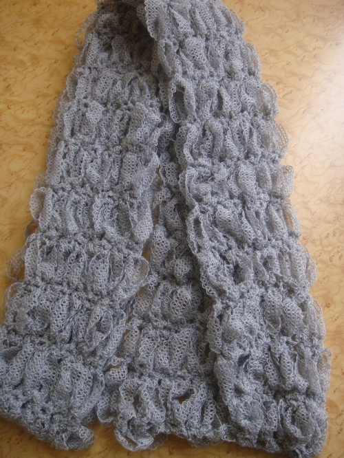 DSC03867 500x666 My Crochet: Lovers Knot Ribbon Scarf
