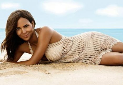 beach crochet 25 Celebrities Spotted in Crochet