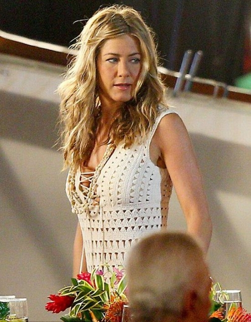 crochet dress 500x643 25 Celebrities Spotted in Crochet