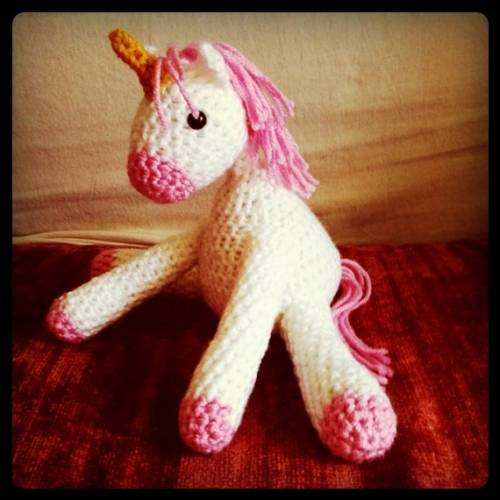 crochet toy1 Etsy Crochet: Unicorn Doll