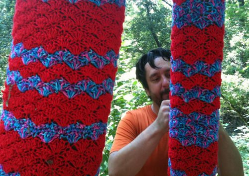yarnbombing Yarnbombing Adds Color to Atlanta Public Green Space