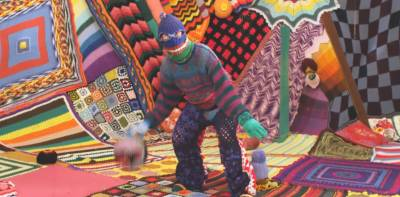 crochet art1 Crazy Creepy Wonderful Crochet in Music Video