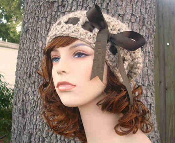 French Crochet Patterns : This crochet beret is a French-inspired hat with a great ribbon detail ...