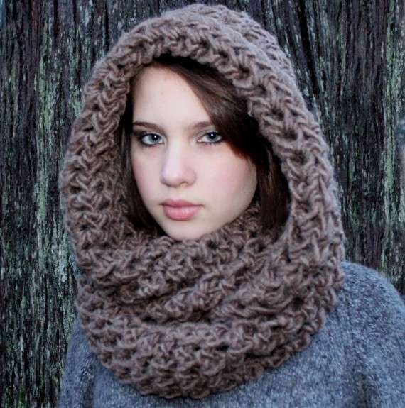 Crochet Pattern For Scarf Hood : crochet cowl