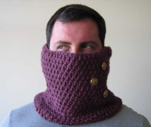 mens crochet cowl1 500x421 10 Examples of Crochet Cowls, a Pinterest Selection