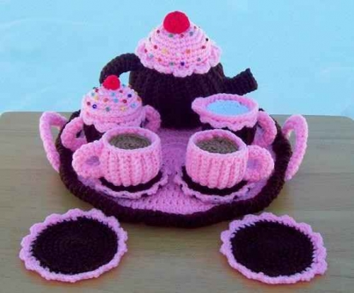 crochet tea set 500x413 Etsy Crochet: Teapot Set