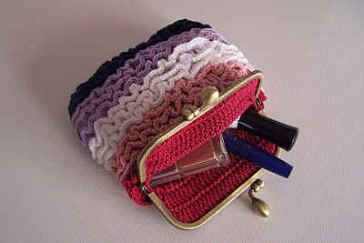 crochet makeup bag Link Love Crochet Favorites