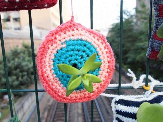 crochet yarnbomb