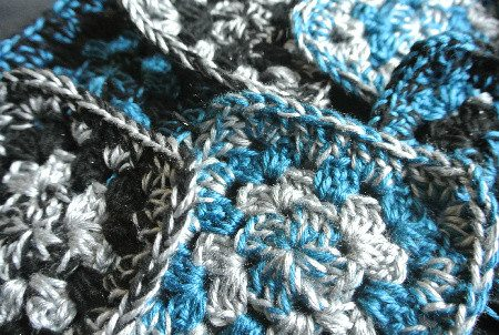 granny square crochet My Crochet: Turning Those Granny Squares Into a Scarf