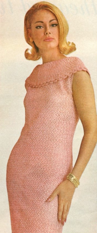 crochet cowl dress 335x800 Oscar Nominated Crochet