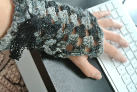 crochet fingerless gloves4 365 Ways to Wear Crochet: Ribboned Fingerless Gloves