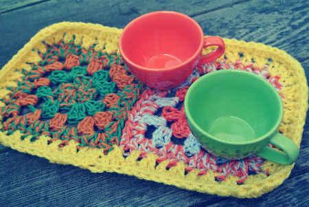 ganchillo alfombra taza