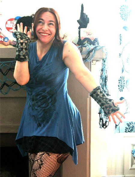 Post image for 365 Ways to Wear Crochet: Ribboned Fingerless Gloves