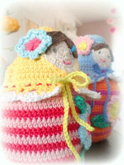 crochet dolls 400x533 Link Love for Best Crochet Blog Posts