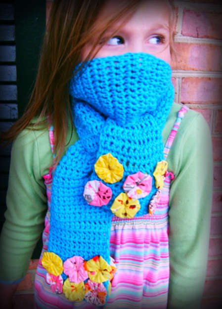 crochet flower scarf 100 Unique Crochet Scarves