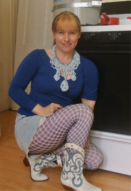 Post image for 365 Ways to Wear Crochet: Thread Necklace