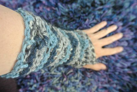 crochet wristwarmers 365 Ways to Wear Crochet: Blue Fingerless Gloves