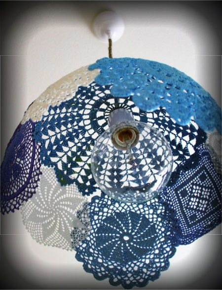 doily lamp 16 Crochet Lamps That Will Shed a New Light on Your Space