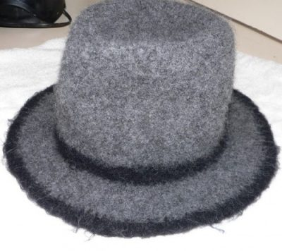 felted fedora 400x356 100 Unique Crochet Hats