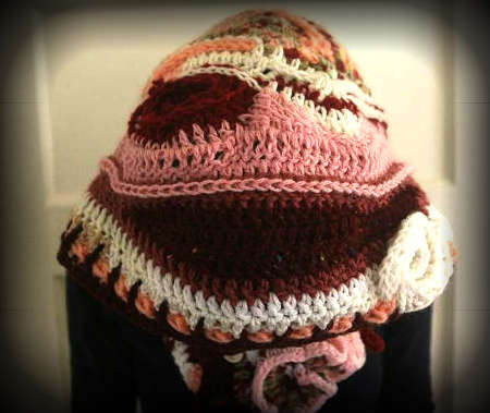 hooded crochet scarf1 100 Unique Crochet Scarves
