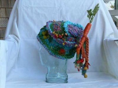 mixed media art hat1 400x300 The Artistic Crochet Hats of Genna Miles