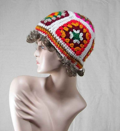 1970s crochet granny square hat 400x437 100 Unique Crochet Hats