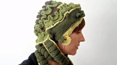 crochet art hat 400x223 100 Unique Crochet Hats