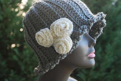 Crochet cloche hat pattern the hat hat flapper style cloche with side tie easy 100 unique crochet hats crochet concupiscence dt1010fo