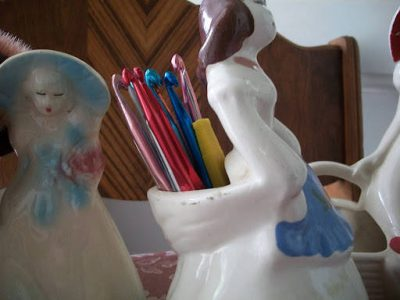 crochet hooks vase 400x300 10 Smart Ways to Organize Your Crochet Hooks