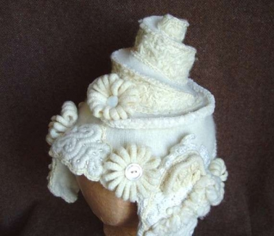crochet white hat 400x344 100 Unique Crochet Hats