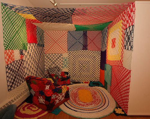 crocheted room Living Inside of Crochet: Crocheted Rooms, Tents and More