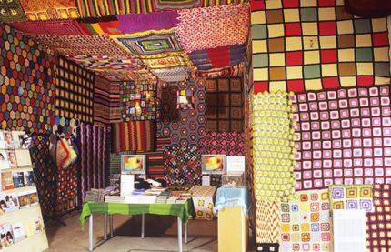 granny square wreck room Living Inside of Crochet: Crocheted Rooms, Tents and More