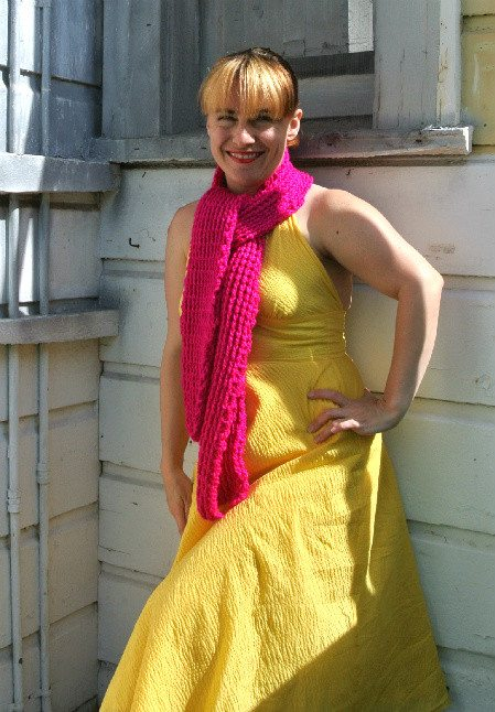how to match scarf with dress How to Match Your Crochet Scarf to A Yellow Dress
