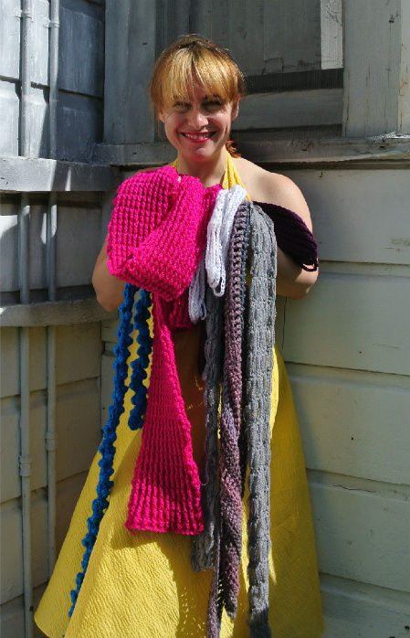Post image for How to Match Your Crochet Scarf to A Yellow Dress